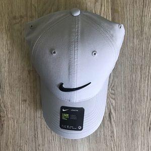 Nike Accessories - NWT Nike Legacy 91 Golf Hat